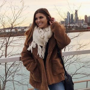 Jackets & Blazers - Fuzzy oversized teddy coat 🐻